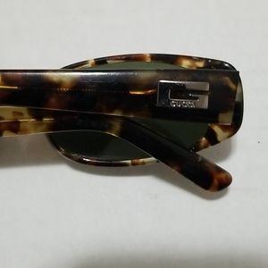Gucci Tortoise Design Small Framed Sunglasses